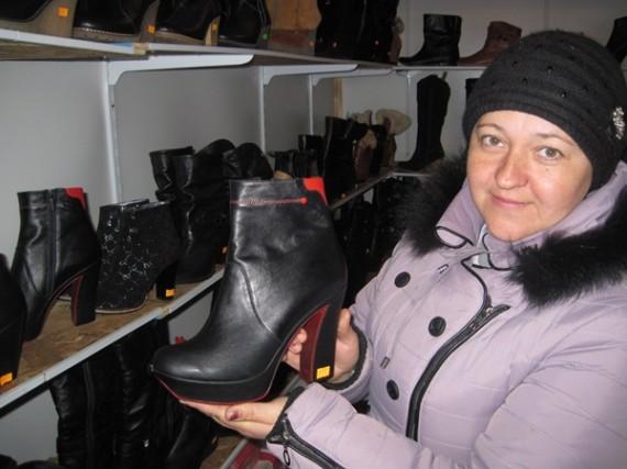 Тетяна Полосьмак демонструє новинку - батільйони